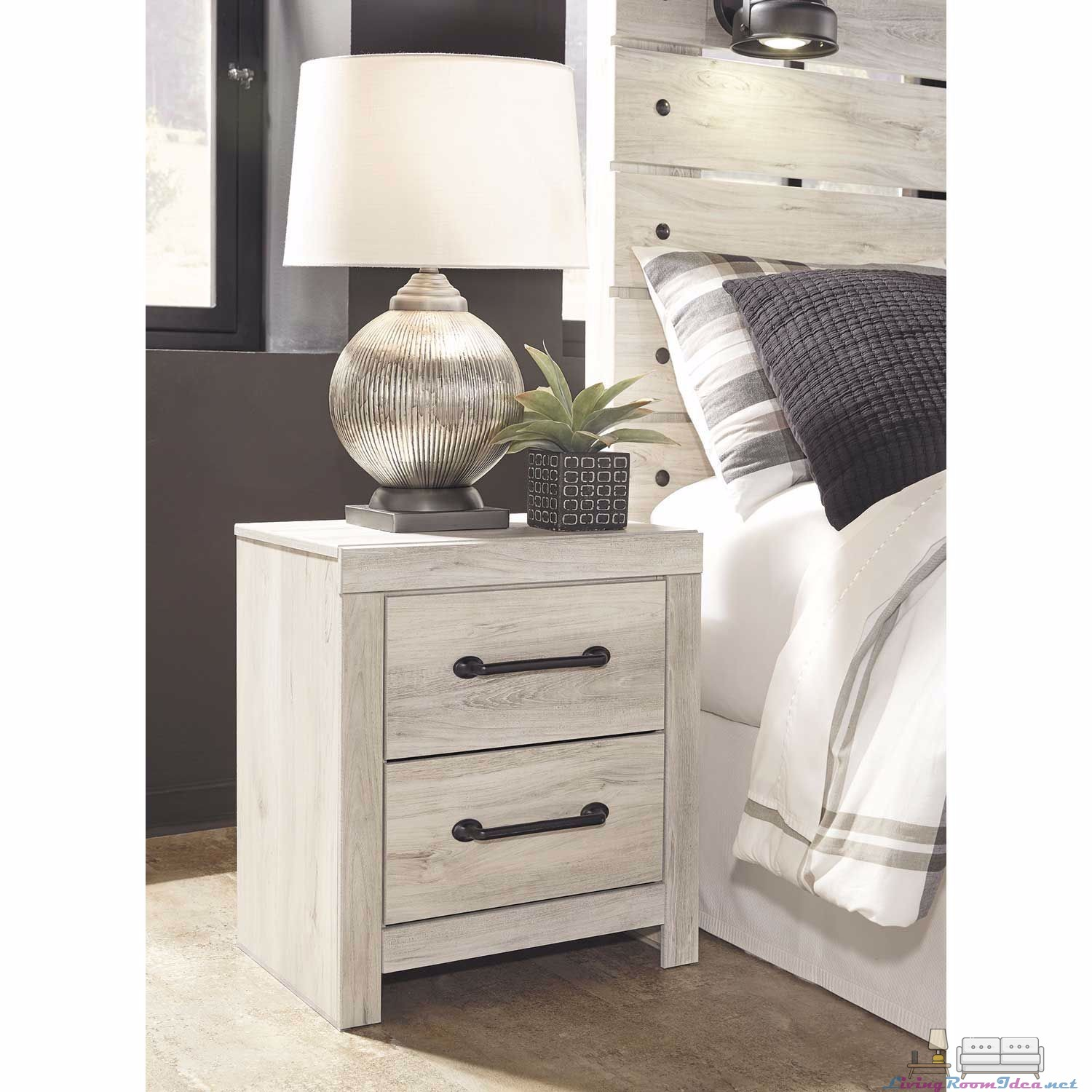 Cambeck Nightstand